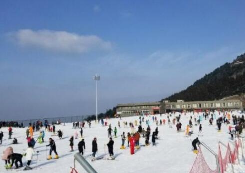 荆楚春节游迅速升温 初二旅游综合收入8600.95万元