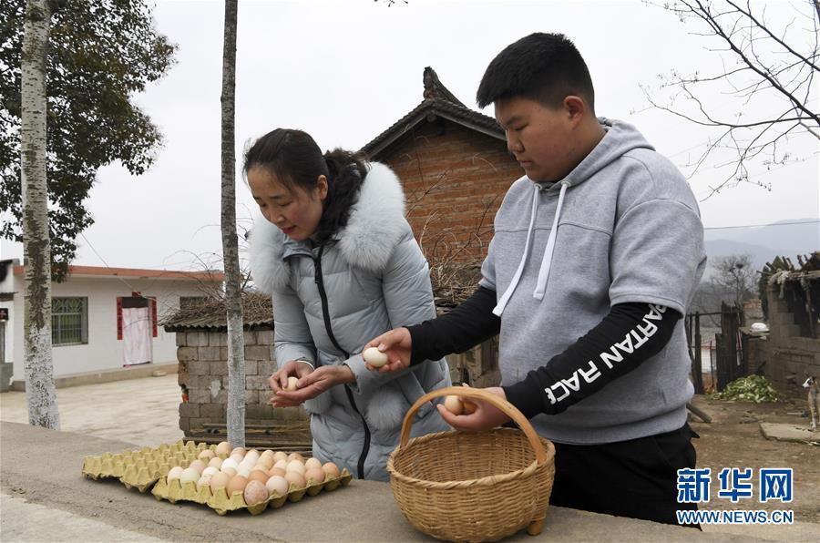 全国人大代表梁倩娟:做强农村电商 改善百姓生活