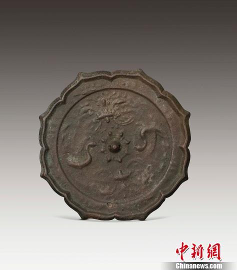 """""""王纲怀捐赠和镜展""""亮相清华108年校庆"""