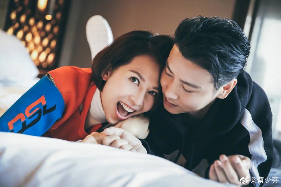 蔡少芬为张晋庆生 甜蜜赞其全能老公
