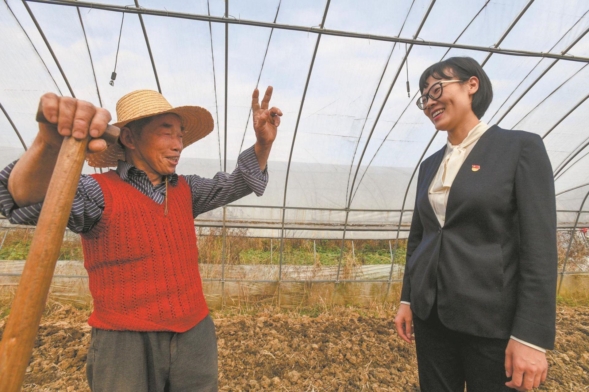 海归女博士演绎新时代田园牧歌:农民领工资上班 菜地种成精致花园