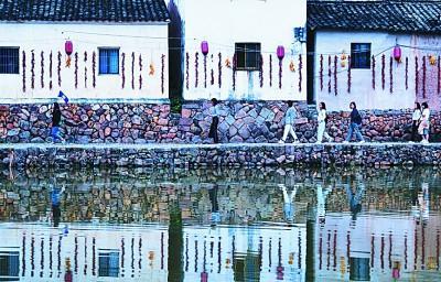 """传统古镇保护路在何方:文化要""""古""""经济要""""新"""""""