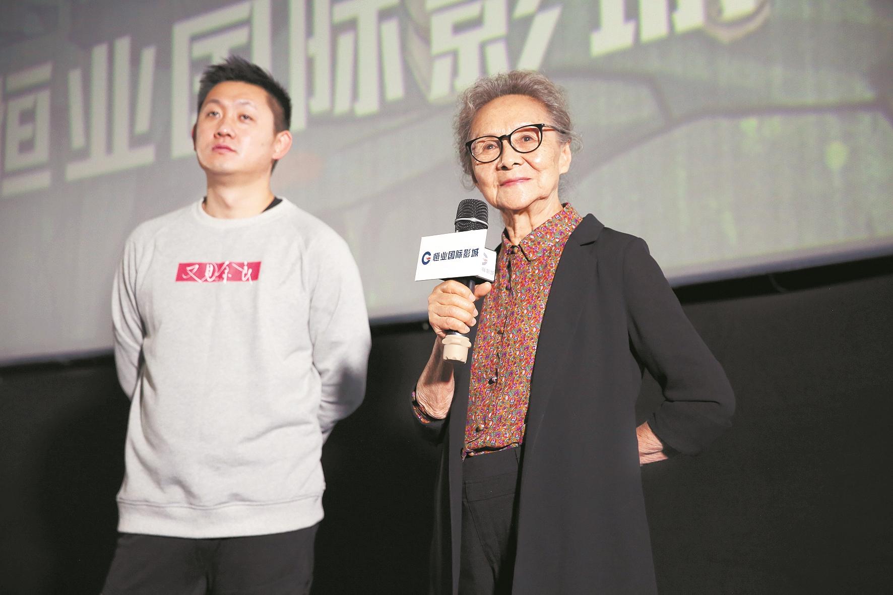 """年轻时奋战话剧舞台近年频获电影奖项   83岁的""""国民奶奶""""不想退休"""