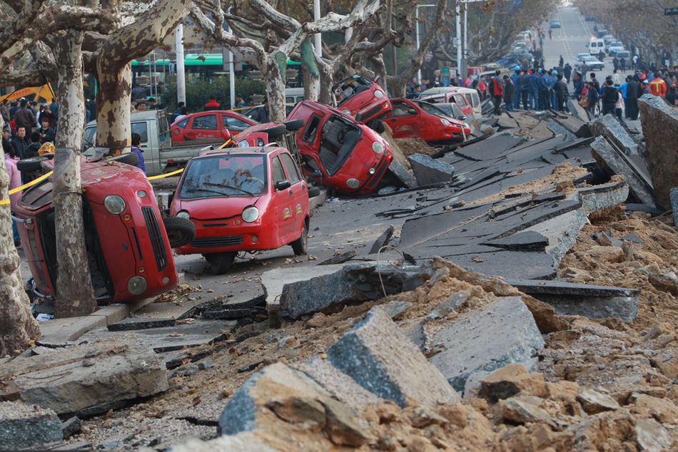 昨日,青岛市经济技术开发区(黄岛区)发生一起输油管道爆燃事故.
