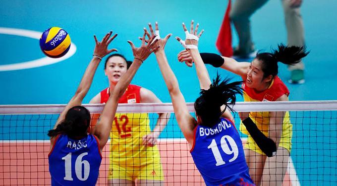 中国女排3:1胜塞尔维亚 时隔12年再登奥运之巅