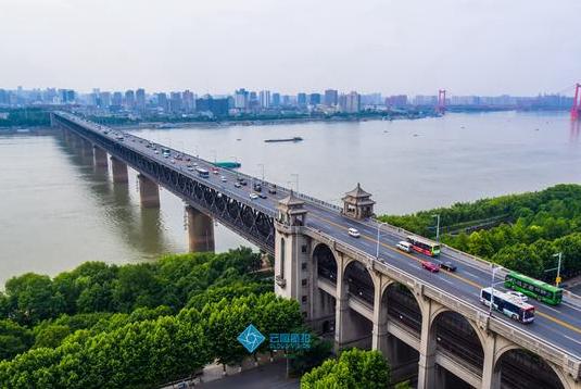 厉害了!湖北35座长江大桥都在这,座座都有不凡身世