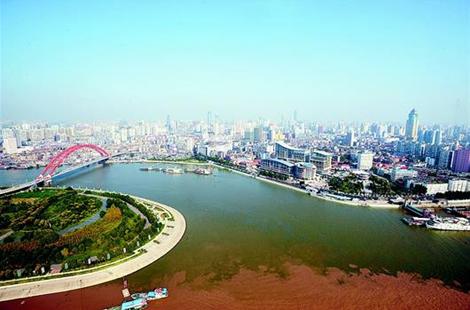 """长江经济带沿线代表共话""""保护母亲河"""":同下一盘棋 接力护长江"""
