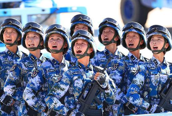 女兵首次以战斗员身份亮相沙场