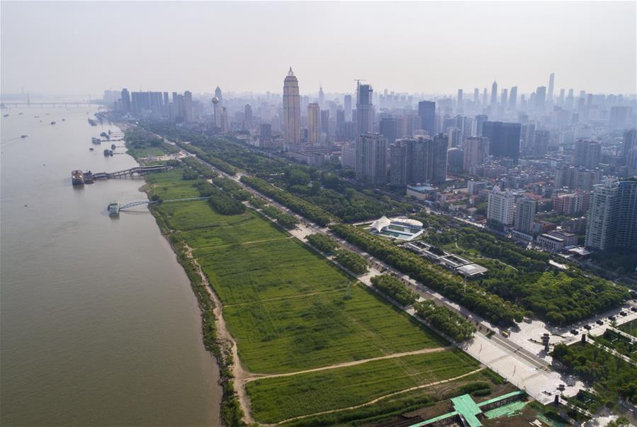"""武汉打造长江""""绿色岸线"""""""
