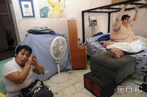 沙特610公斤男子_沙特610公斤男子被动用吊车送医盘点最可怕的胖子们(组图)-荆楚