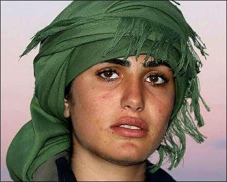 叙利亚容貌美女v容貌美女酷似安吉丽娜朱莉战士大邻图片