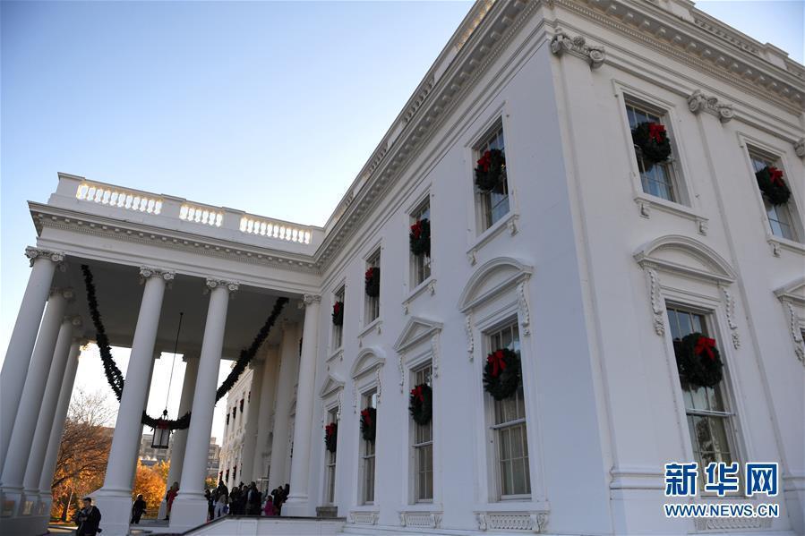 白宫圣诞装饰曝光:有53棵圣诞树超过1.2万个挂饰