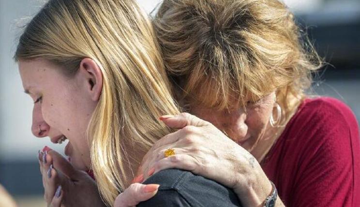 美国得州校园发生枪击案 致10死10伤