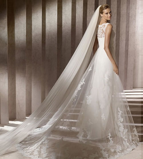 广西一新娘婚纱长520米出嫁 盘点最长婚纱最贵婚纱