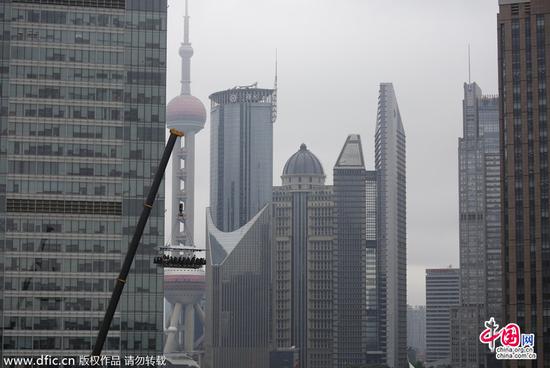 上海现空中餐厅花8888元悬空50米吃西餐(图