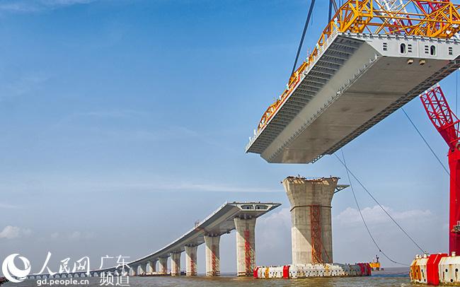 5万吨,约为60座埃菲尔铁塔,是在全球范围内首次如此大规模地使用