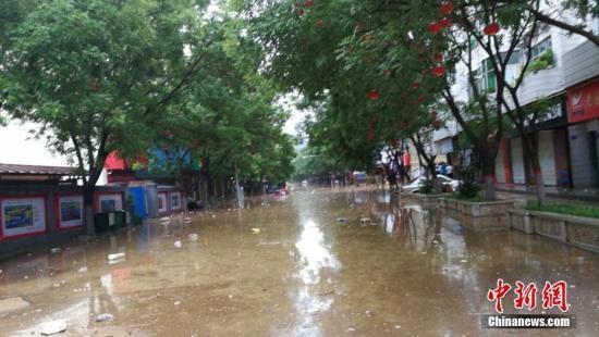 华北,黄淮中北部地区陆续遭遇较强降雨,受此影响陕西榆林市,山西吕梁图片