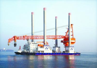 """最强功能风电安装平台""""手臂""""""""大腿""""均由武汉造 可举升1.3万余吨"""