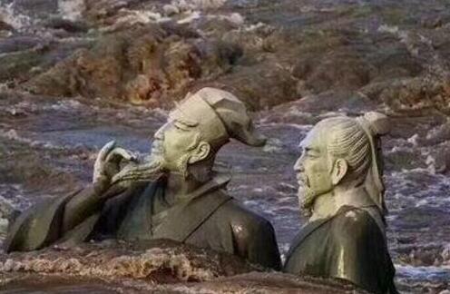 """四川宜宾迎最大洪峰 苏轼黄庭坚""""水中吟诗""""意外走红"""