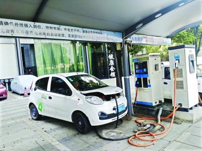 记者武汉体验共享汽车:找车太费时 每小时花21元(图)