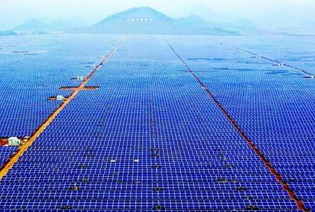 华中最大光伏发电站昨并网发电 年发电1.34亿度 够9万户居民使用