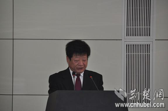 湖北省预防医学会会长高忠明在介绍评选活动