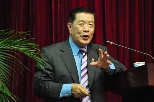 华裔神探李昌钰称 周克华不可能是自杀的