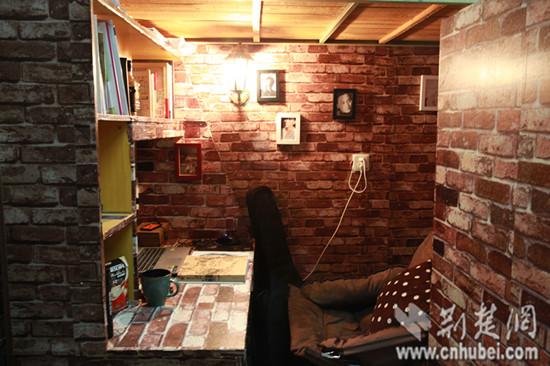 武汉轻工大学男生寝室装修 逆袭 人均费用100元