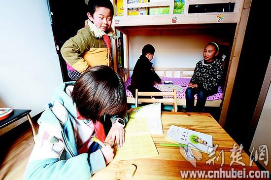 a小学!武汉小学生校内v小学小学叫好家长喊累(图西园老师驻马店市图片