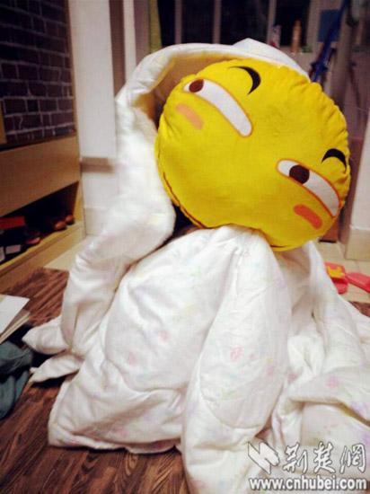 汉一女生寝室搞笑图片的摔倒刘翔集体表情购买1抱枕v女生滑稽大学图片