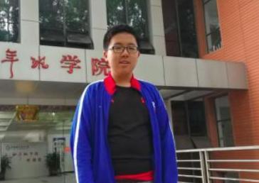 4岁读出陌生英文小学研究《周易》 武汉14岁高中生考取中科大少年班学院