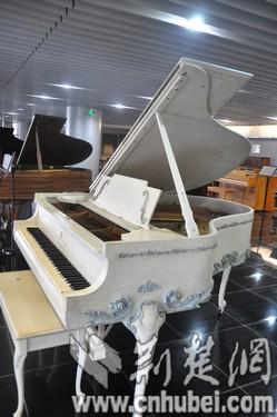钢琴高音谱号简笔画