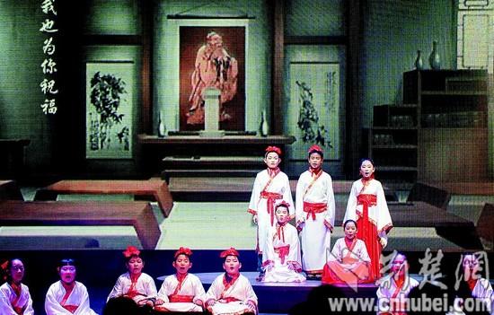 江城诗兴浓 萌娃韵感强 - wangxiaochun1942 - 不争春