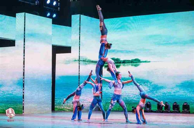 杂技歌舞戏曲连演三天 武汉市民家门口享免费文化盛宴