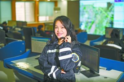 挂断千余求救电话 美国一名911接线员被诉