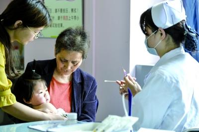 武汉扩大免疫规划10年成效显著 多种传染病发病率降至历史最低