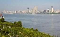 武汉41个水体提质项目布设公示牌 市民可随时监督身边河流水质