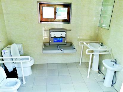 亲子厕所亮相洪山街头
