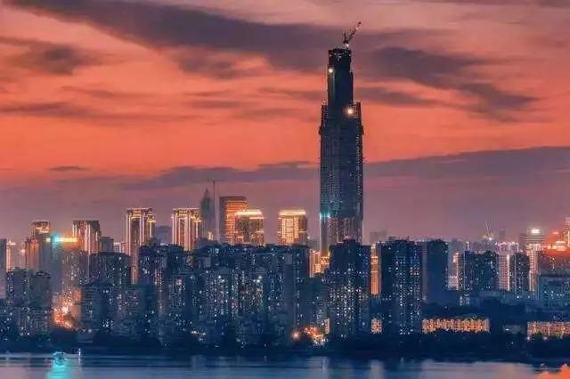 """重磅!武汉在建国内第一高楼""""迫降""""181米,636米变455米!"""