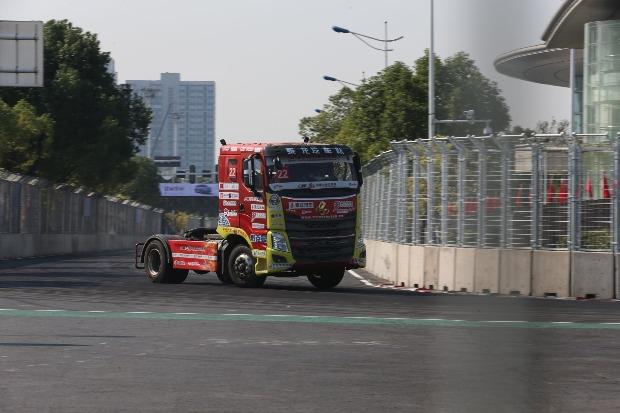 """武汉人创办的中国卡车公开赛第一次""""回家"""" 捷克车手卫冕"""