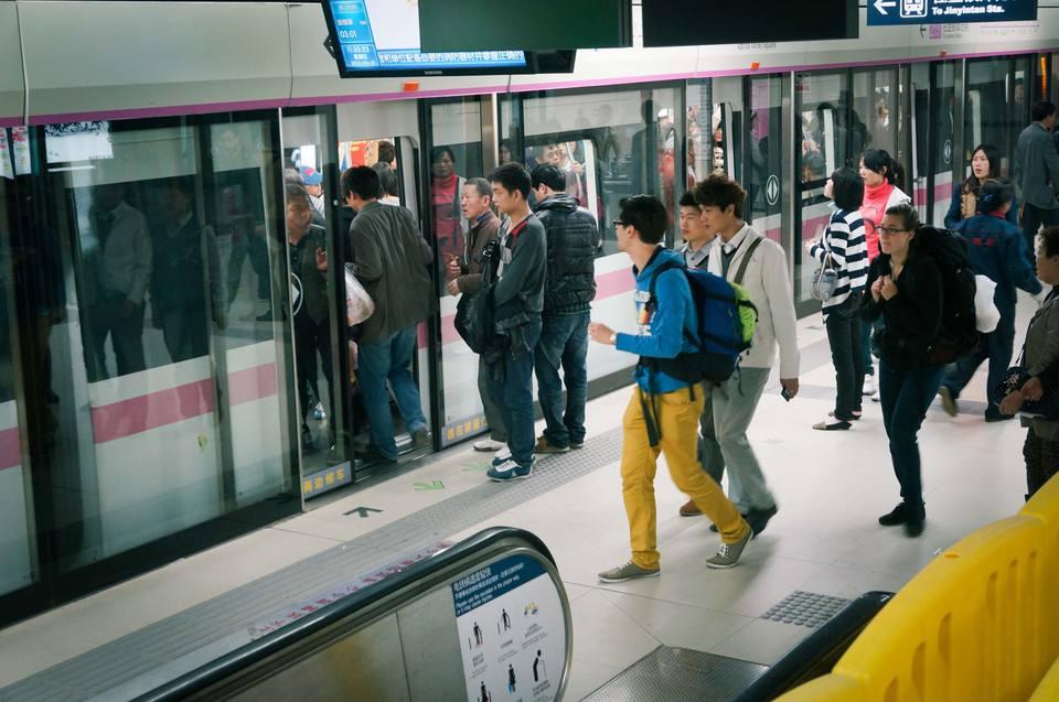 武汉地铁3号线4号线将增加上线列车 运力最高增加一成