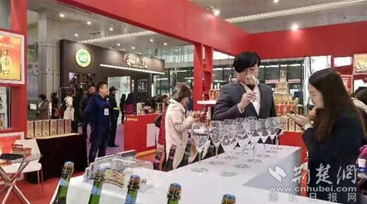 第十届武汉糖酒会盛大开幕 小瓶酒渐成市场新宠