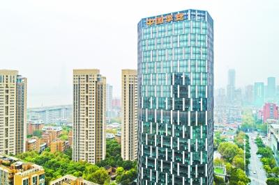 武汉逾40座楼宇年纳税过亿元 最牛一栋在江岸年纳税14亿元